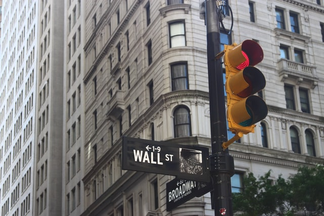 Wall Street and Broadway signs (by Roberto Júnior)