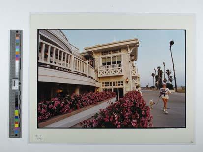 Shutters -Eatery along Santa Monica Beach
