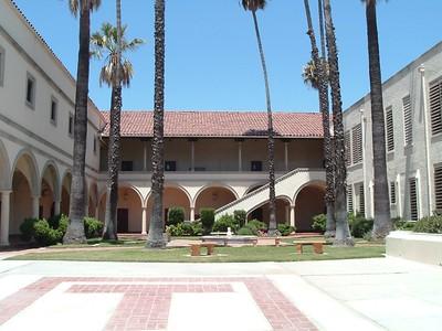 Torrance High School courtyard links to orgininal on Flickr