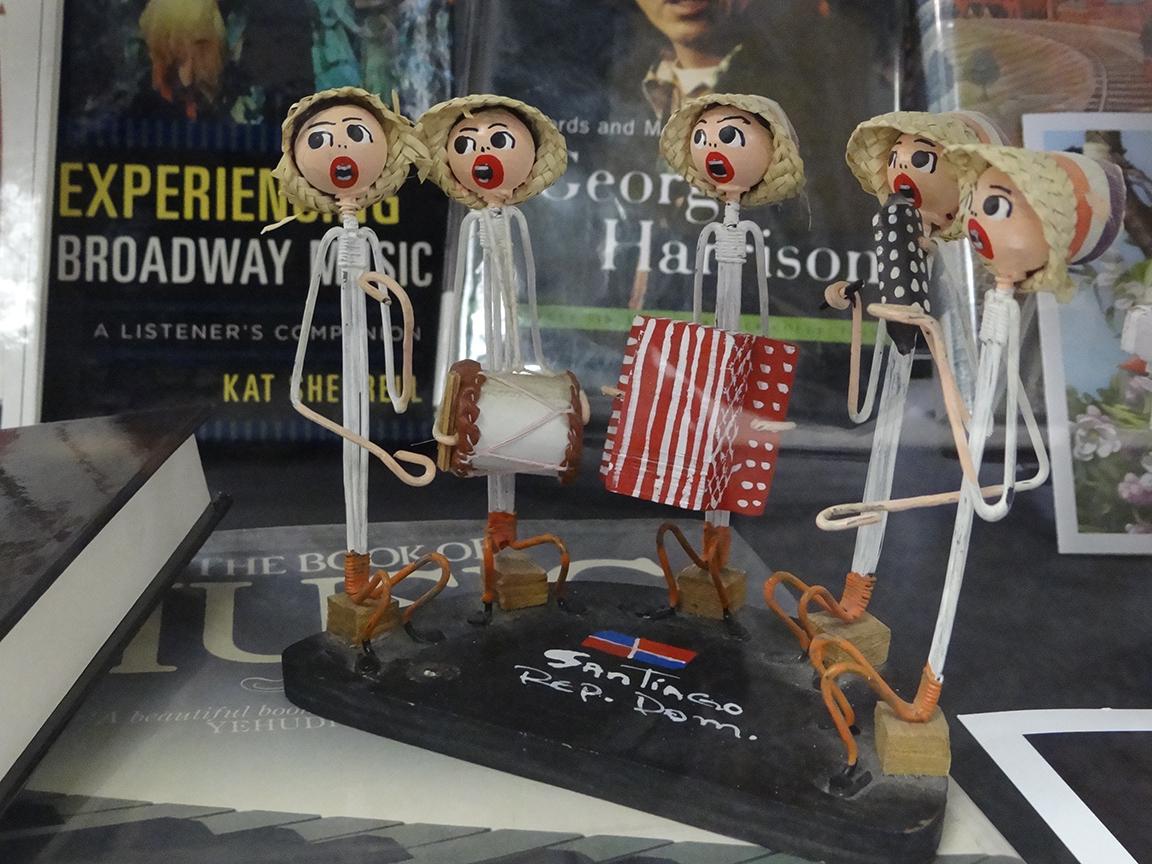 dolls of musicians
