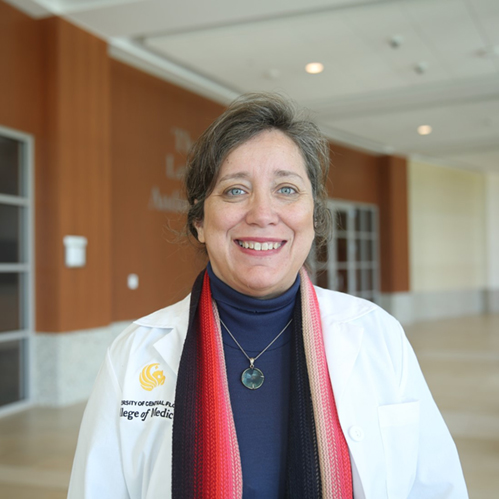 Dr. Luciana Garbayo