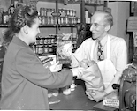 Buying groceries in 1946