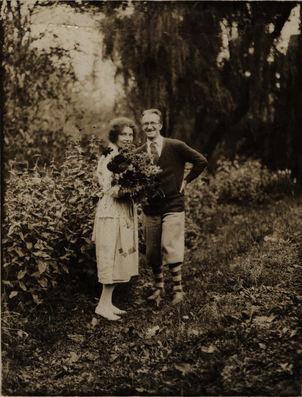 wedding photograph of Berta and Elmer Hader