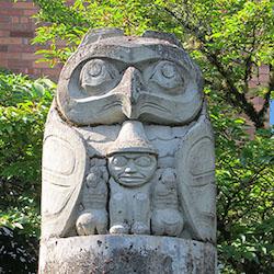 Lelooska (Don Smith), Owl, northern entrance of Watzek Library