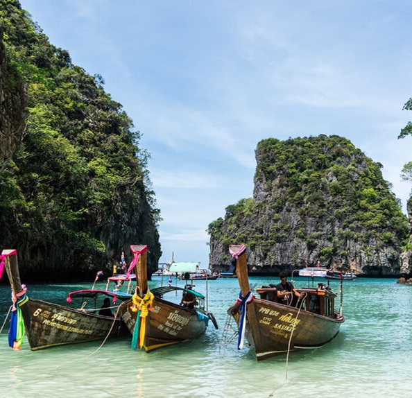 Picture of Thailand scenery- boats and water
