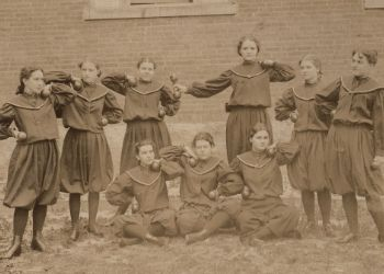group photo of delta psi kappa girls