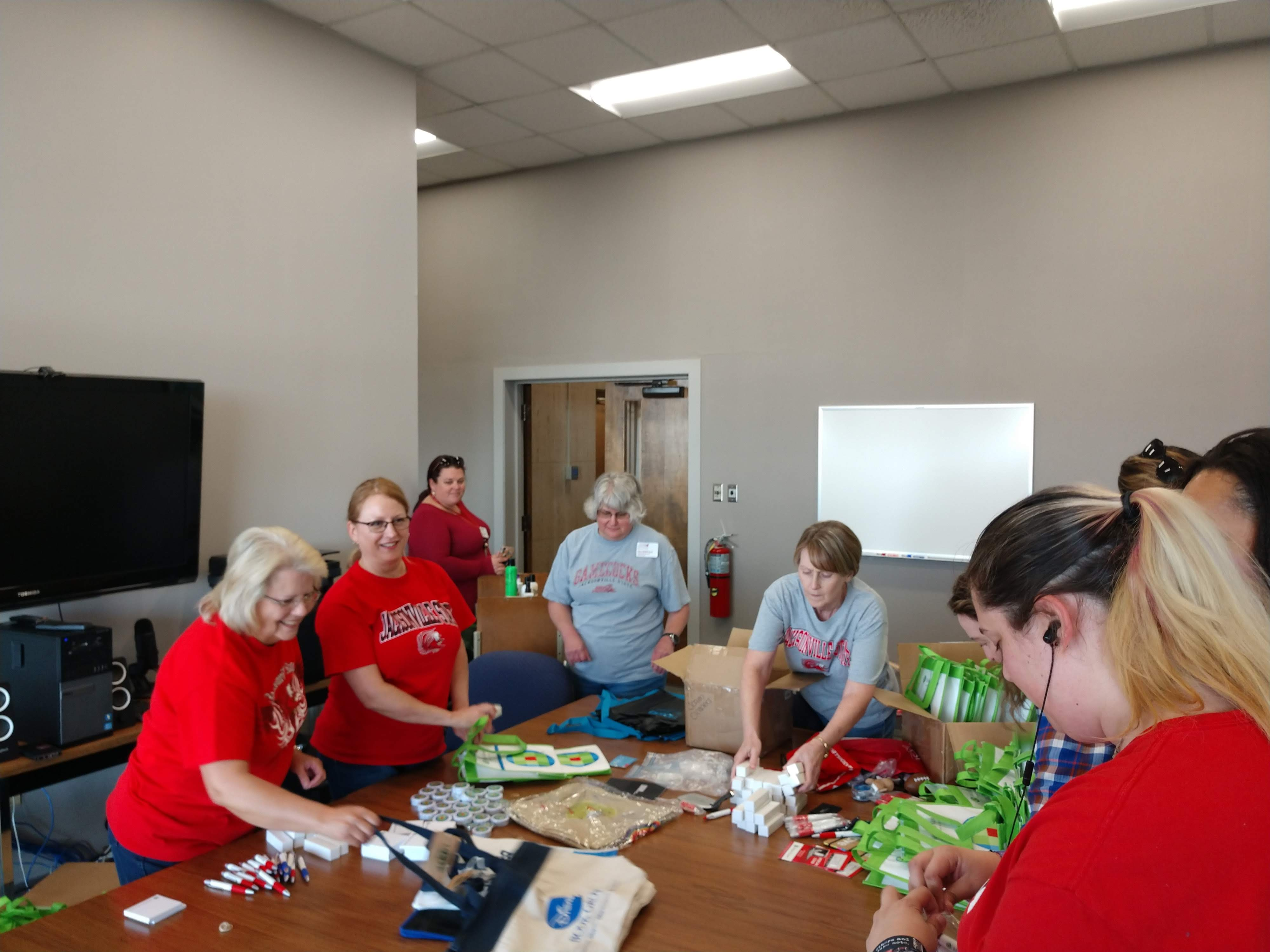 2019 Tailgate Goody Bag Packing