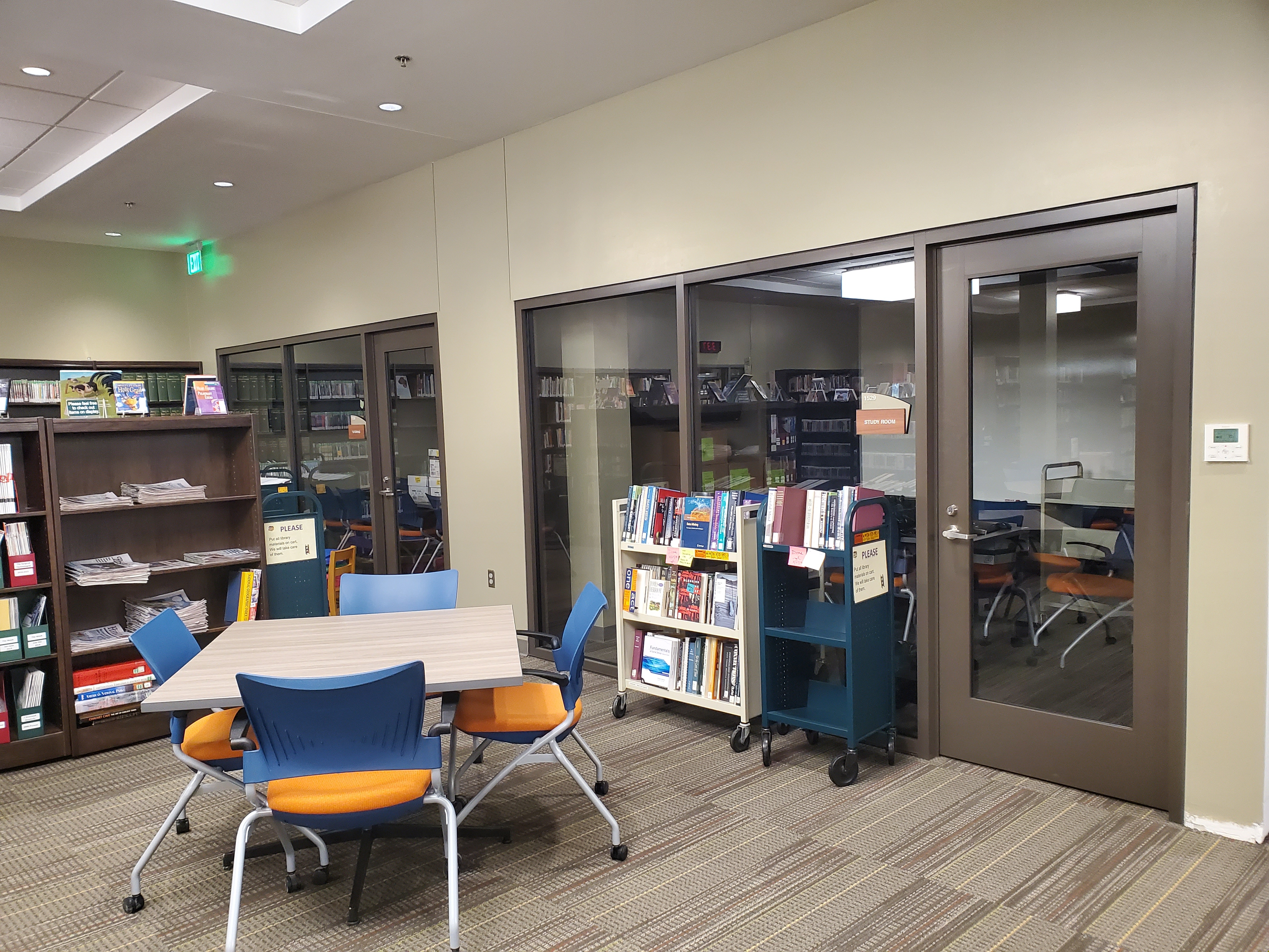 Image of 2 small study rooms