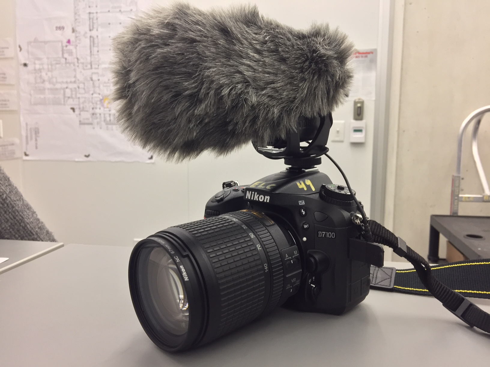 Rode DSLP Camera mic (camera pictured, but not included)