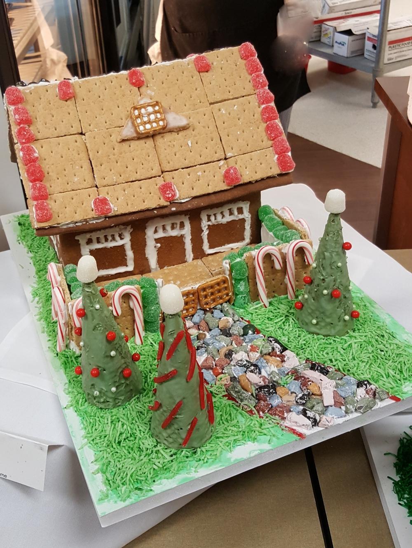 2016 Gingerbread & Graham Cracker House