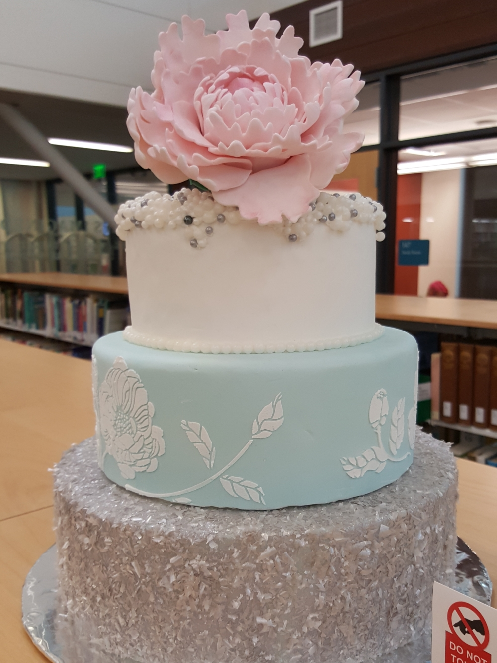 2018 Cakes Peony - front view