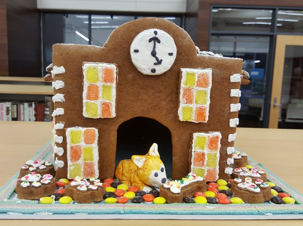 2018 Gingerbread Clocktower Doghouse - front view