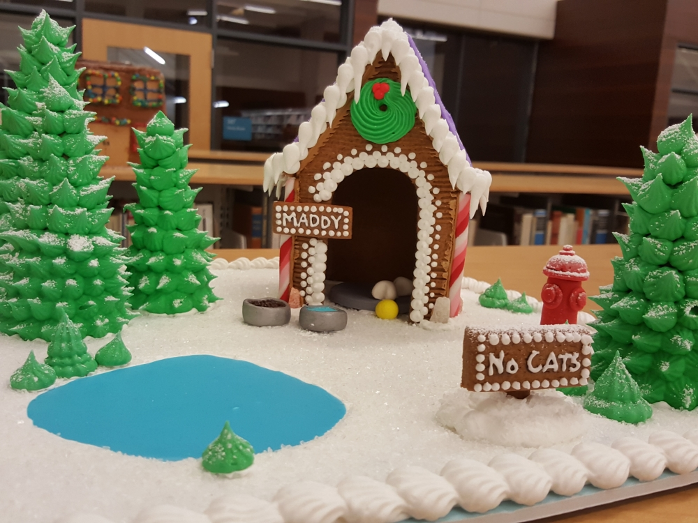 2018 Gingerbread Maddie Doghouse - front