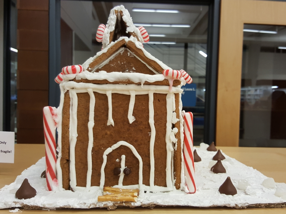 2018 Gingerbread Candycane House - front