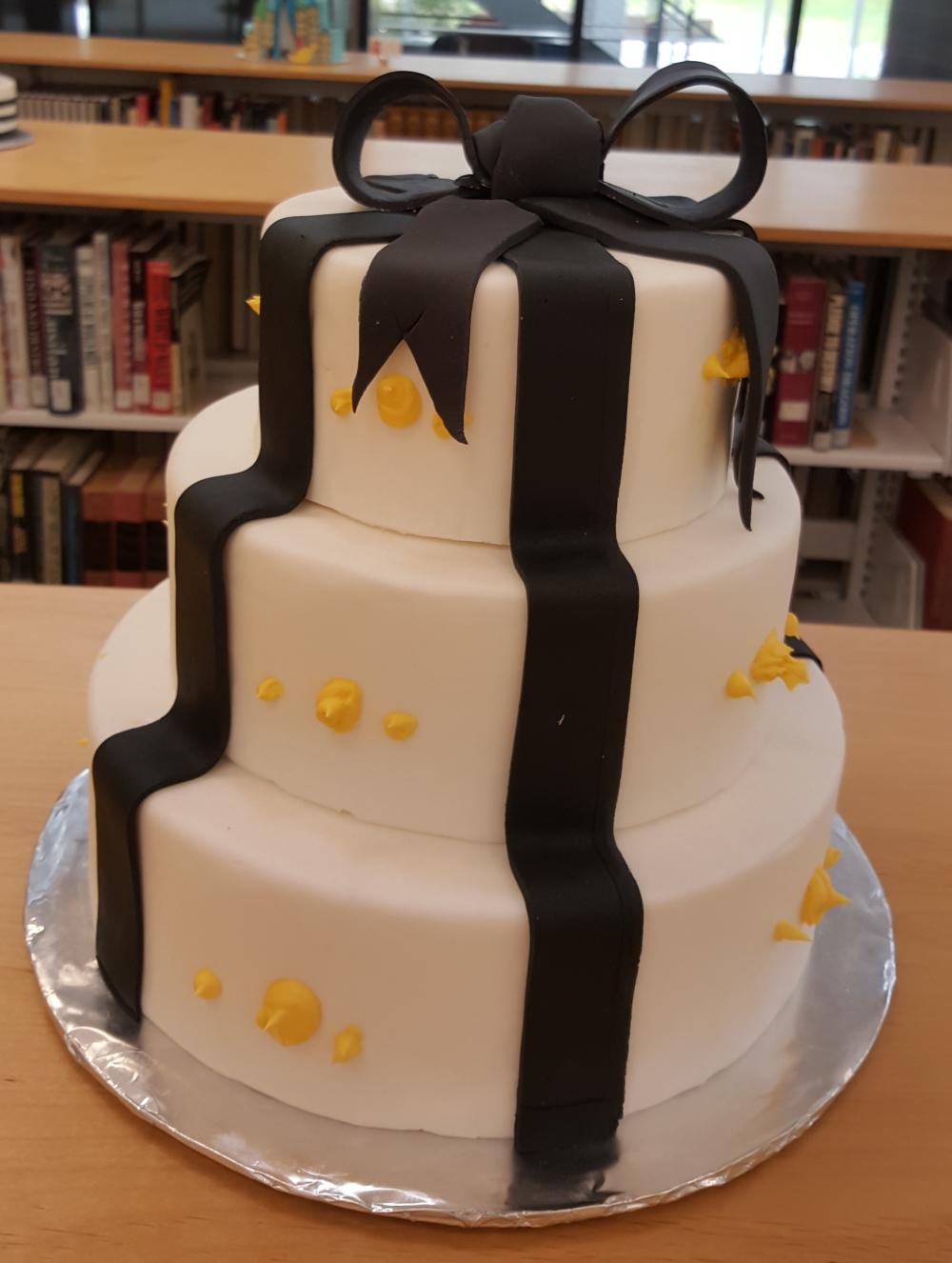 2019 Cakes Black Ribbon