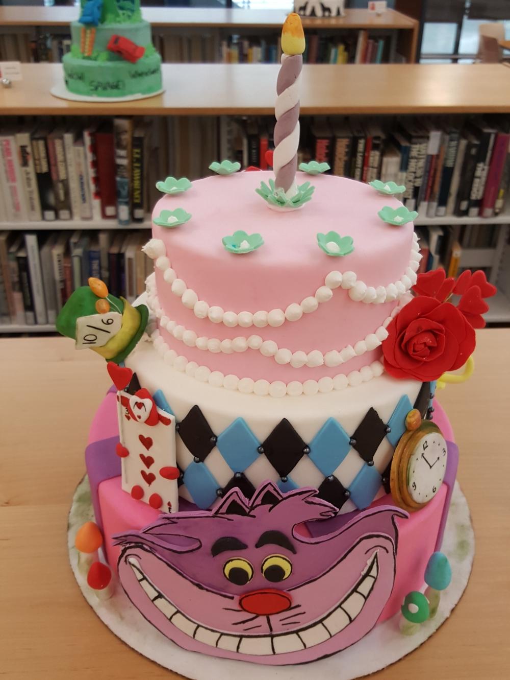 2019 Cakes Alice in Wonderland - top view