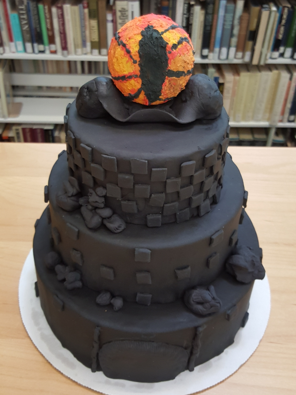 2019 Cakes Eye of Mordor Tower - top view