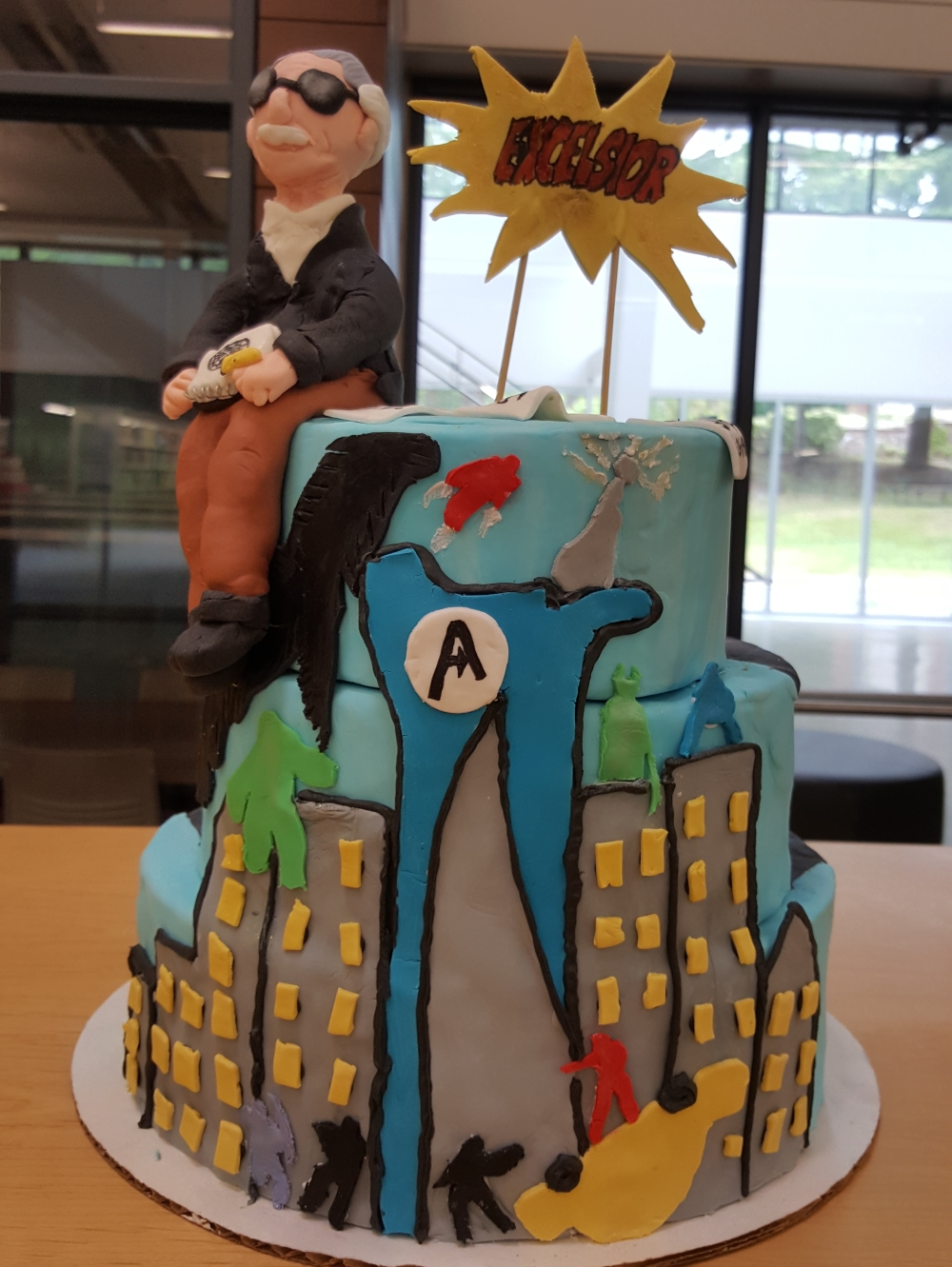 2019 Cakes Stan Lee - front view