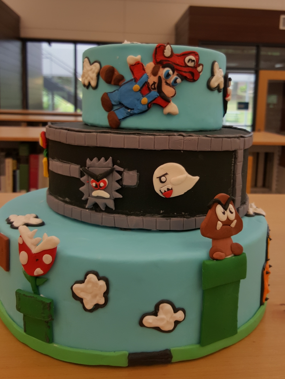 2018 Cakes Mario Brothers - front view