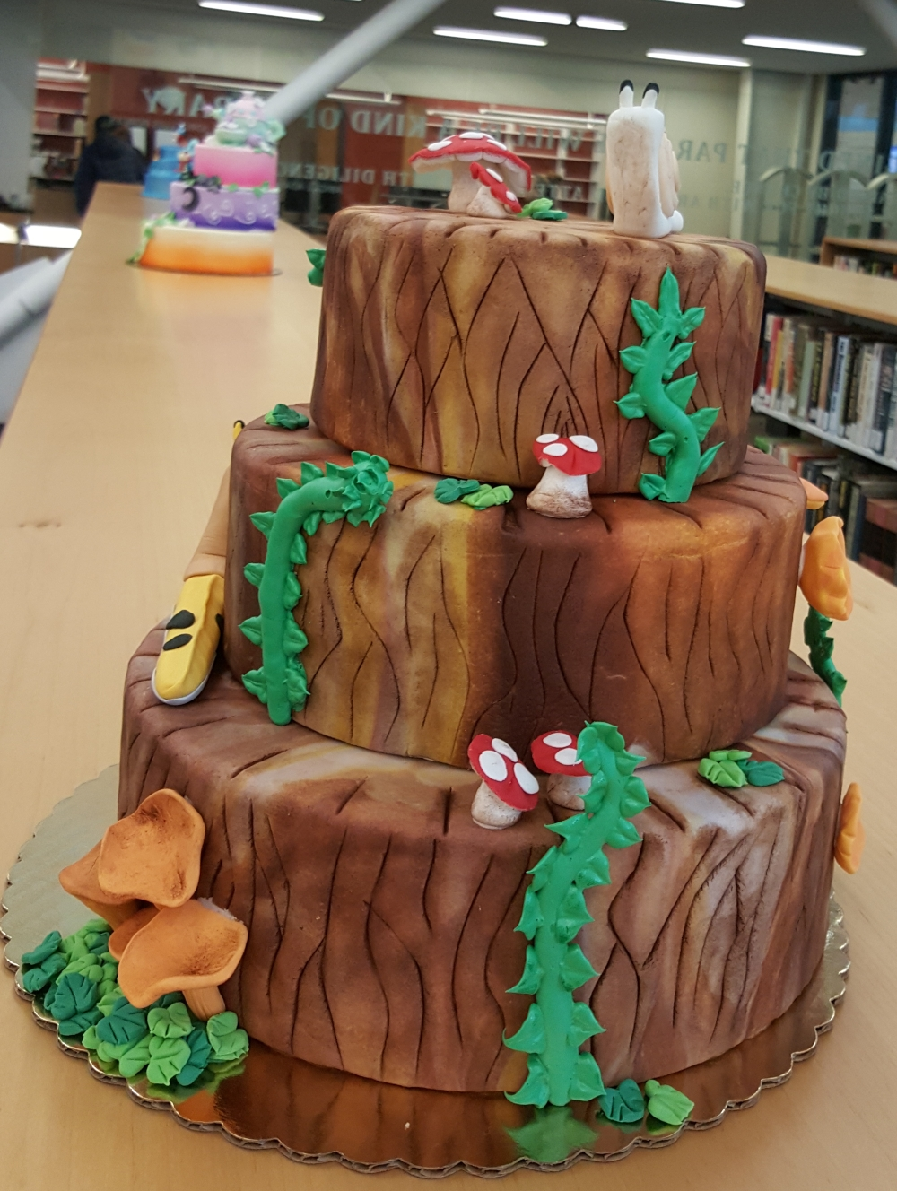 2018 Cakes PNW Forest - side view
