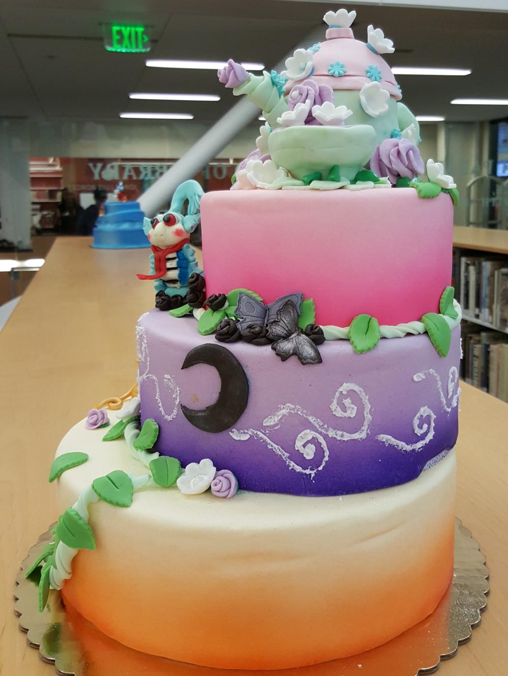 2018 Cakes Alice in Wonderland - back view