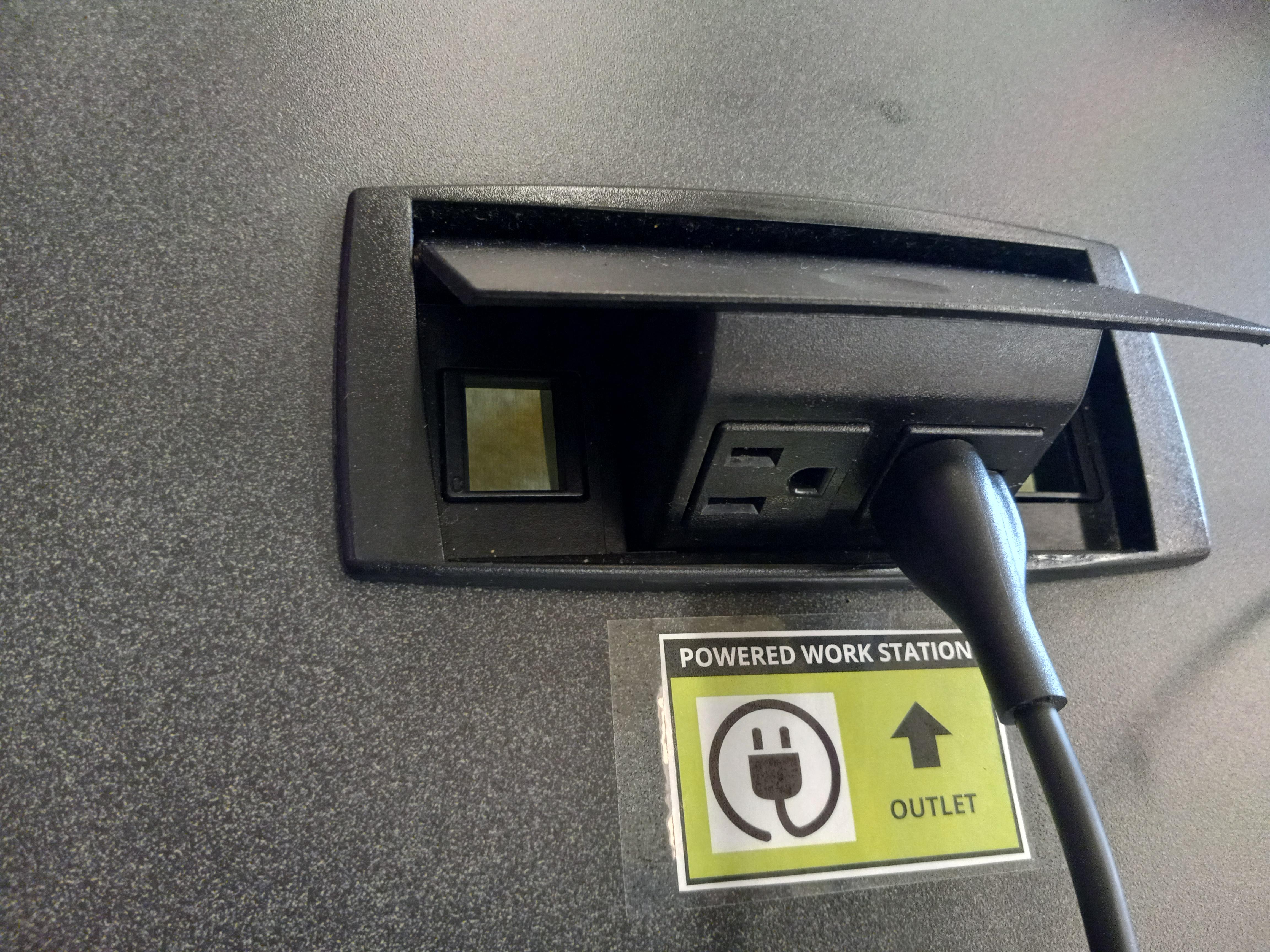 desk outlet