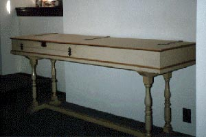 Image of the Chickering and Sons Clavichord, 1909 reproduction