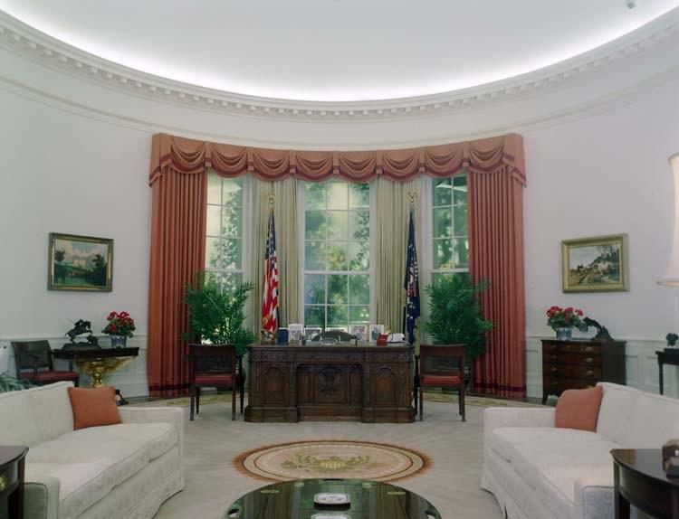 Reagan oval office replica