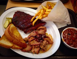 plate of Kansas City barbecue
