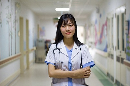Female Anethesia Doctor.