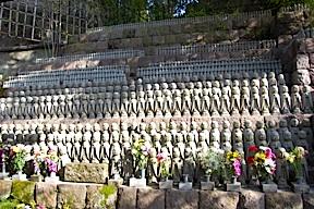 Rows of miniature Buddhas at Hasedera