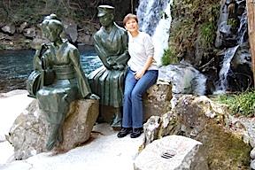 Statues of Dancing Girl of Izu