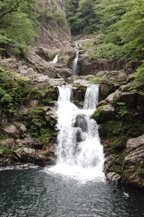Sandan-taki waterfall