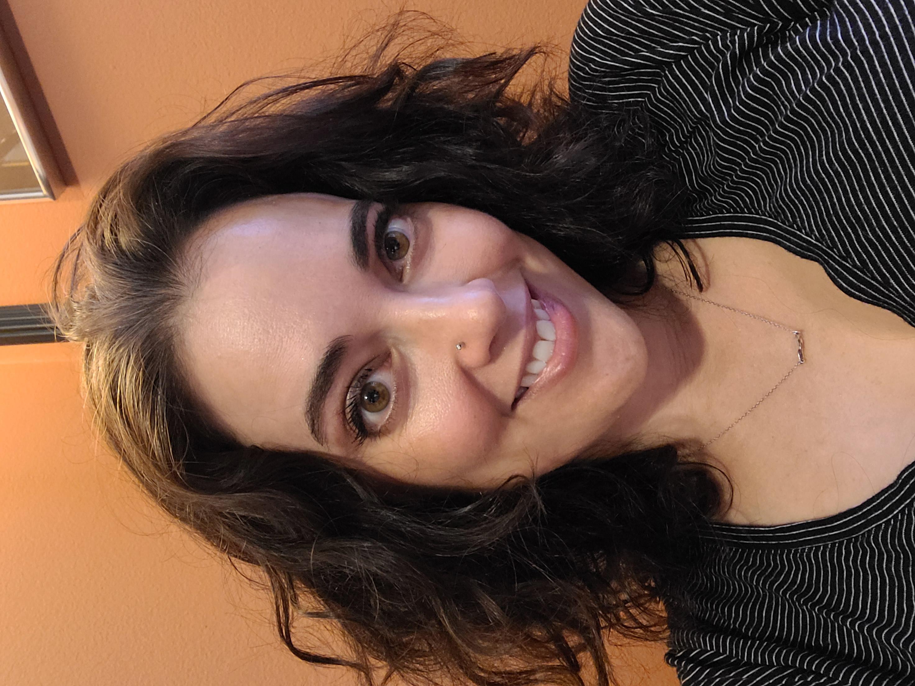 Image of Librarian Amanda Bezet