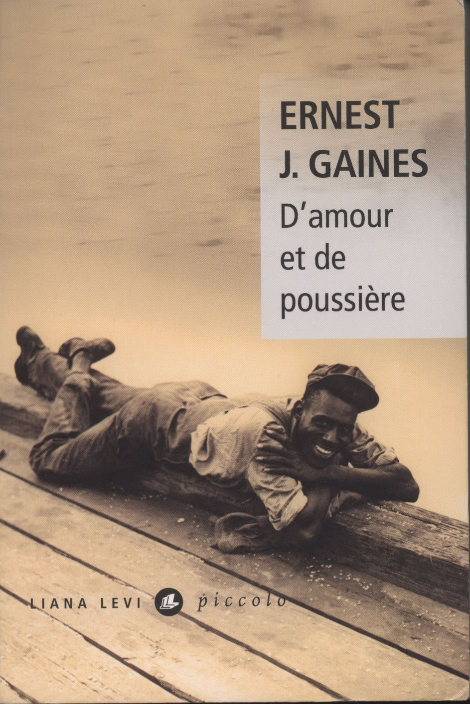 French cover of Of Love and Dust