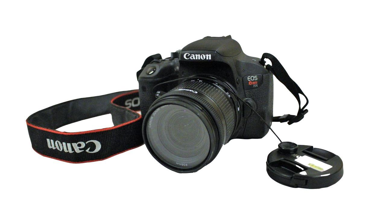 image of Canon T7i camera