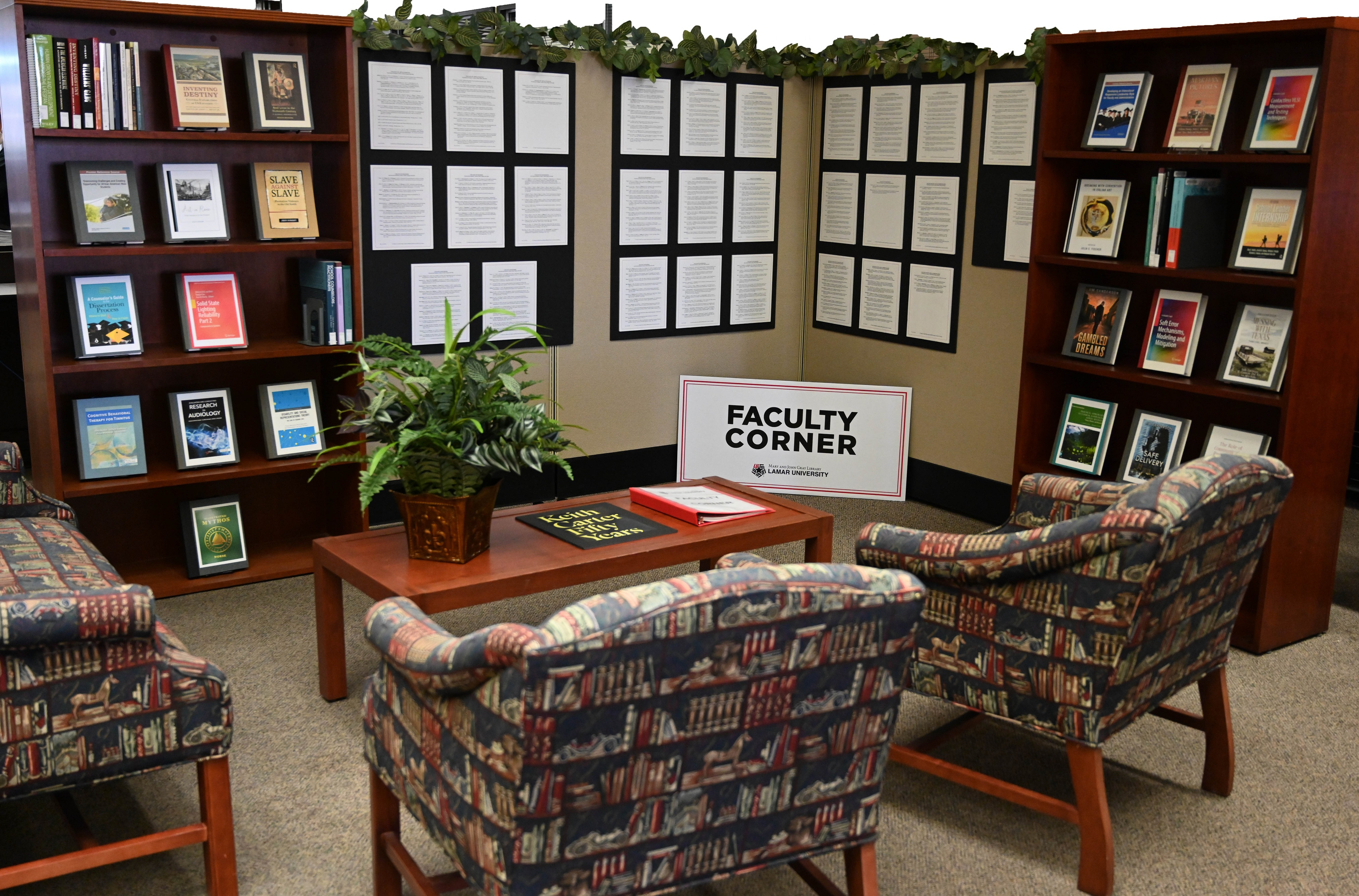 Image of Faculty Corner in the Library