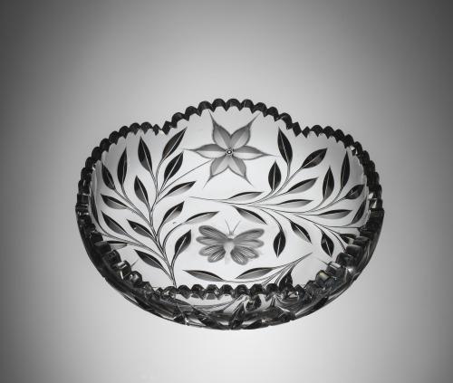 "CMoG 2008.4.159 Ideal Cut Glass ""Diamond Poinsettia"" pattern dish"