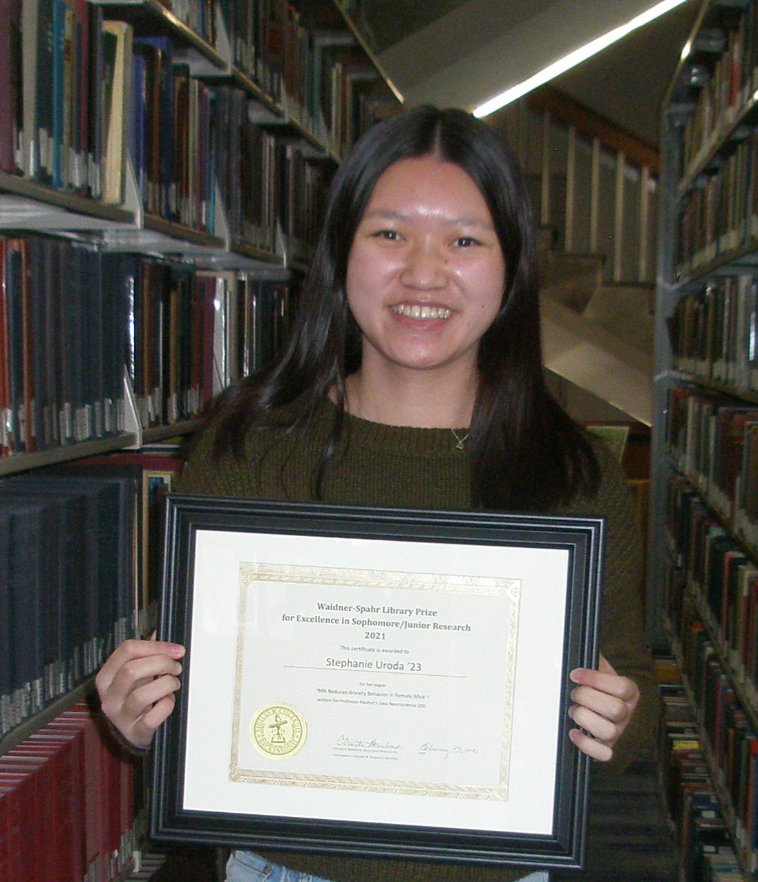 Stephanie Uroda with her award.