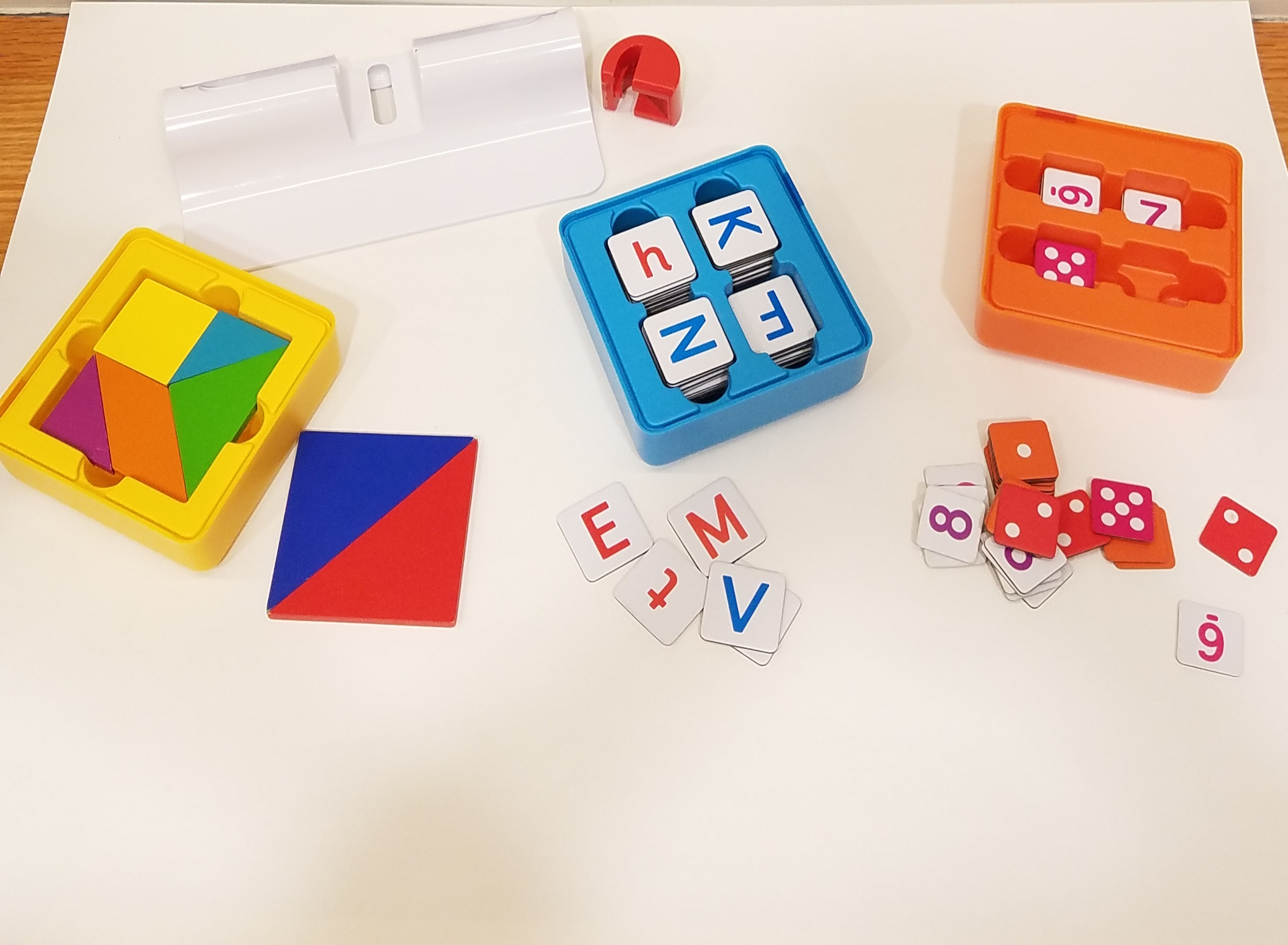 Osmo pieces for tangrams, recognizing letters and numbers