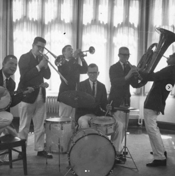 1950s image of the Tom Cats band